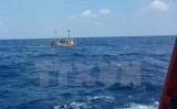 Lai dắt tàu cá Thanh Hóa bị vỡ hộp số trên biển vào bờ an toàn