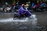 Áp thấp gây mưa dông, lốc xoáy trên vùng biển Bình Thuận-Kiên Giang
