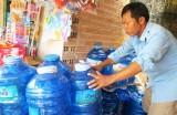 Băn khoăn về chất lượng nước uống đóng chai, đóng bình