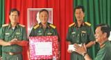 Quân khu 7 thăm, tặng quà Đội K73 trước khi lên đường làm nhiệm vụ