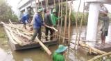Tân Thạnh: Hàng ngàn hecta lúa bị lũ đe dọa