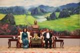 Tổng Bí thư, Chủ tịch nước Lào tiếp đoàn đại biểu cấp cao Đảng ta