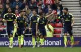 Sanchez và Giroud lập cú đúp, Arsenal chiếm ngôi đầu bảng