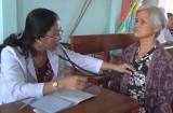 Đức Hòa khám sức khỏe định kỳ cho người cao tuổi