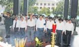 Kính viếng nguyên Phó Chủ tịch Hội đồng Bộ trưởng - Nguyễn Văn Chính
