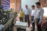 Hỗ trợ máy dệt, duy trì nghề dệt chiếu truyền thống