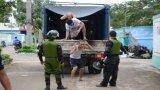 Hơn 100 học viên cai nghiện tại Đồng Nai lại tràn ra quốc lộ