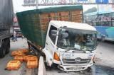 2 xe tải đâm nhau, nút giao thông tại Đồng Nai tắc nghẽn nghiêm trọng