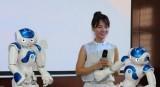 Trường đại học Việt Nam đưa robot vào giảng dạy, nghiên cứu