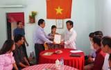 Đảng ủy khối Các cơ quan tỉnh trao nhà tình nghĩa tại xã Long Sơn