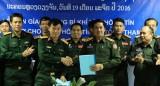 Bộ Quốc phòng Việt Nam hỗ trợ trang thiết bị cho Quân đội Lào