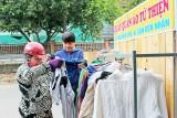 Áo quần từ thiện, ấm áp tình người