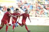Đá bại Malaysia, Việt Nam đặt một chân vào bán kết