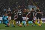 Man City tạm dẫn đầu Ngoại hạng Anh sau trận thắng Burnley
