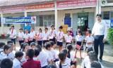 Điện lực Đức Huệ tuyên truyền sử dụng điện an toàn, tiết kiệm trong trường học