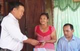 Trao nhà cho nạn nhân chất độc da cam tại xã Hựu Thạnh