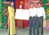 Trường Mẫu giáo Đức Hòa Thượng đón bằng đạt chuẩn Quốc gia mức độ 1
