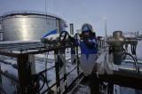 Các nước ngoài OPEC đồng ý giảm sản lượng 558.000 thùng dầu mỏ