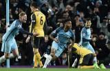 Ngược dòng hạ Arsenal, Manchester City leo lên ngôi nhì bảng