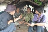 Hỗ trợ các hộ gia đình Việt kiều Campuchia gặp khó khăn