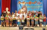 Tập đoàn An Nông trao trên 2.000 phần quà cho học sinh Long An