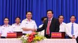 Tỉnh ủy Long An - Đảng ủy Quân chủng Hải quân ký kết phối hợp tuyên truyền biển, đảo