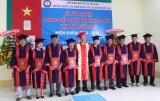 20 tân kỹ thuật viên nhận bằng tốt nghiệp trung cấp