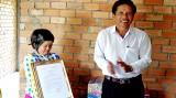 Mặt trận Tổ quốc Bến Lức vận động 3,7 tỉ đồng cho Quỹ Vì người nghèo