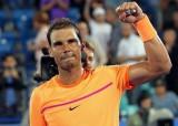 Rafael Nadal thẳng tiến vào chung kết, Andy Murray thua sốc
