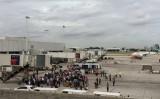 FBI không loại trừ khả năng khủng bố trong vụ xả súng ở sân bay Mỹ