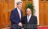 Ngoại trưởng Mỹ John Kerry chào xã giao Thủ tướng Nguyễn Xuân Phúc