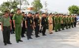 Lực lượng Công an ra quân tuần tra bảo vệ Tết Nguyên đán Đinh Dậu 2017