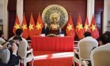 Tổng Bí thư thăm Đại sứ quán Việt Nam tại Trung Quốc
