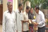 Trao quà Tết cho người nghèo ở Bến Lức, Vĩnh Hưng và Tân Thạnh