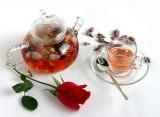 Làm đẹp đơn giản và hiệu quả bằng trà hoa, tại sao không?