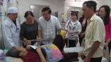 Lãnh đạo huyện Đức Hòa, Tân Thạnh thăm bệnh nhân còn đang điều trị tại bệnh viện