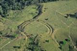 """Phát hiện hàng trăm vòng tròn bí ẩn """"Stonehenge"""" giữa rừng Amazon"""