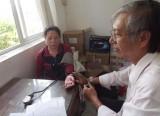 Trưởng trạm y tế hết lòng vì sức khỏe người dân