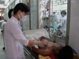Đắk Lắk: Ăn gỏi lợn, uống nước giếng, 16 người bị ngộ độc