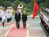 Báo Nhật đưa trang trọng hình ảnh của Nhật hoàng thăm Việt Nam