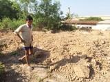 Phạt 4 triệu đồng về hành vi đào trộm đất nghĩa địa, đào luôn 3 ngôi mộ