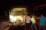 Xe tải tông xe khách, cao tốc TP.HCM - Trung Lương bị phong tỏa