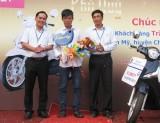 Trung tâm Kinh doanh VNPT Long An trao giải cho khách hàng trúng giải Chương trình Tết Phú quý