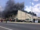 Cháy lớn ở Khu công nghiệp Trà Nóc, hàng nghìn công nhân tháo chạy