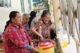 Vụ cháy lớn ở Cần Thơ: Tình người trong cơn hoạn nạn