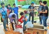 Nhóm Vòng tay nhân ái: Mang yêu thương đến người nghèo