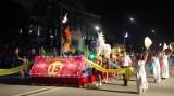 Lễ hội dân gian đường phố khai hội Đền Hùng 2017