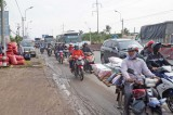 Va chạm liên hoàn trên Quốc lộ 1: Giao thông ùn ứ