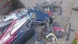 Xe bồn trộn bê tông cán nát xe máy