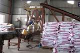 Long An tăng cường kiểm tra việc sản xuất, gia công phân bón vô cơ